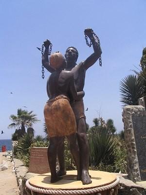 statut sur l'ile de Gorée